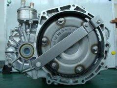 怎样检查自动变速箱油位